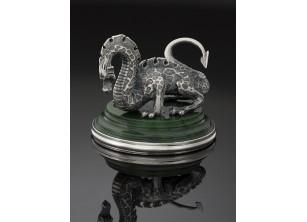 Серебрянная статуэтка Дракон
