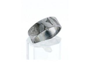 Кольцо из редкого метеорита