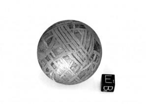 Шар из редкого метеорита Сеймчан